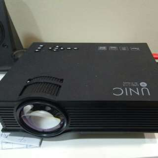 Uc46+ Projector