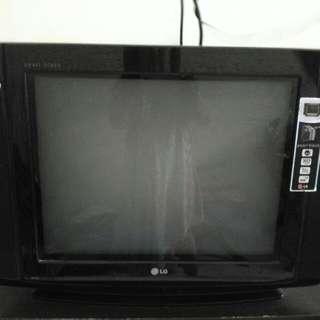 TV LG 21' Flat semi cembung