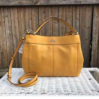 Coach LEXY SHOULDER BAG Mustard