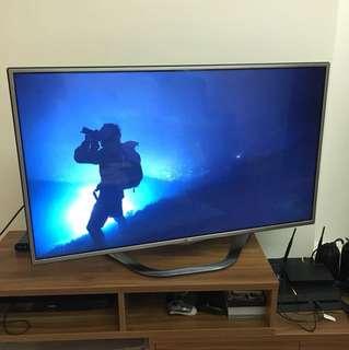 LG 47' Smart TV