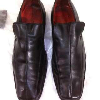 Sepatu kulit pantovel Next Italia