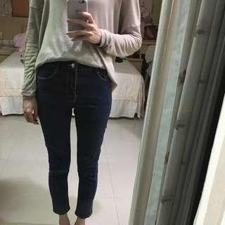 深藍色合身九分牛仔褲