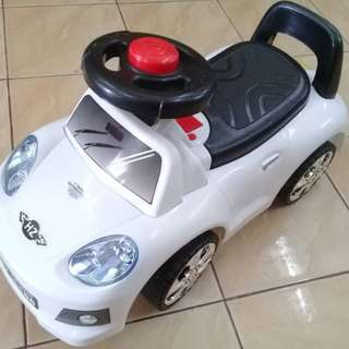Readystok * Baby Ride on Car