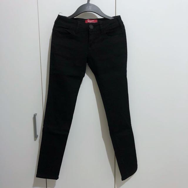 紅標牛仔褲