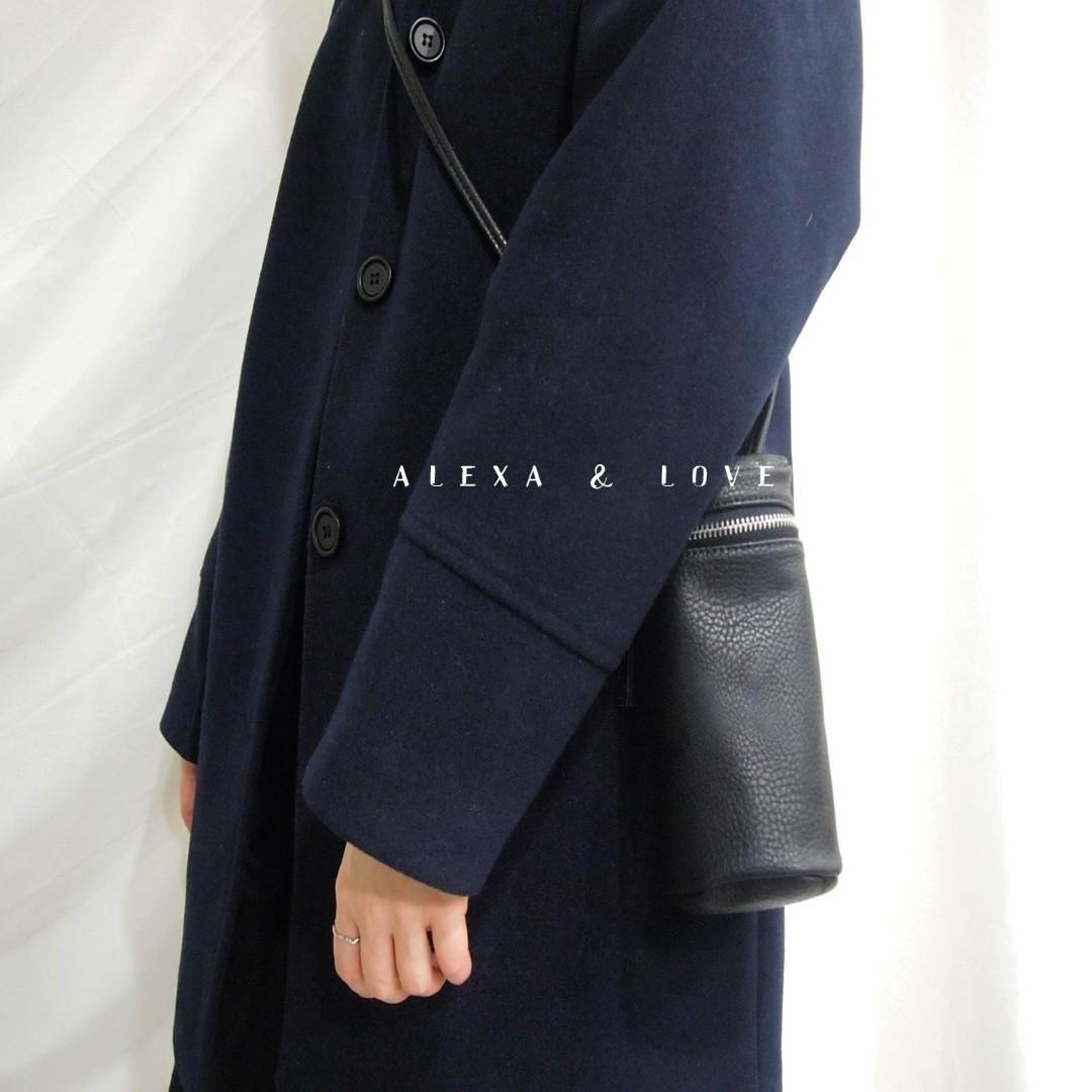 Alexa&Love 黑色韓國復古圓筒包側肩包(特)