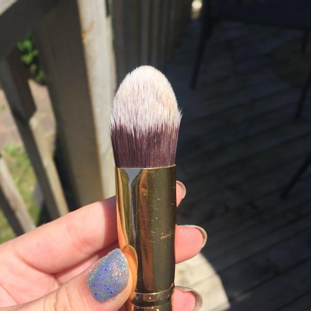 BH Cosmetics Tapered
