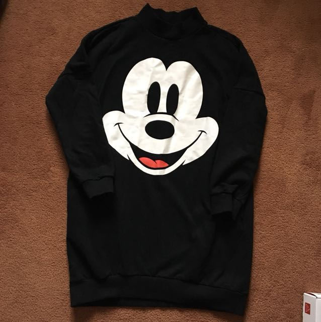 Brand new long mickey pullover size S
