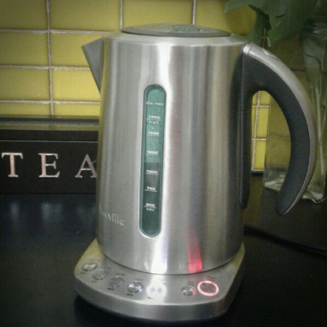 Breville smart tea and coffee kettle