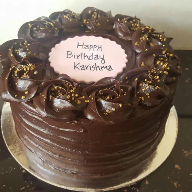 Chocolate Ganache Cake Food Drinks Baked Goods On Carousell