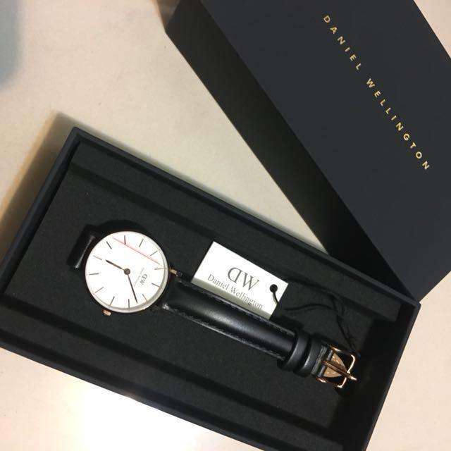 Daniel Wellington 小直徑皮革手錶 基本款