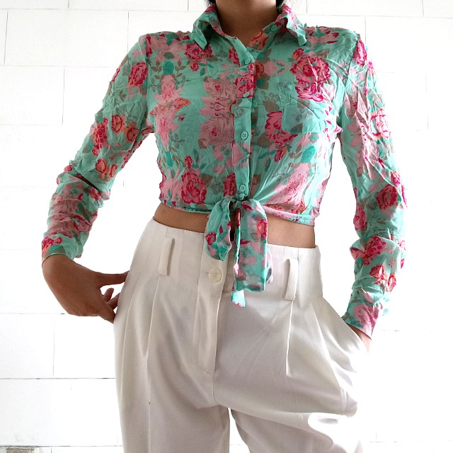 Forever 21 exclusive Floral sheer Tie- Front blouse