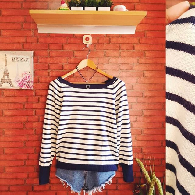 HQ Stripes Soft Knit Pullie