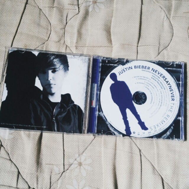 JUSTIN BIEBER NEVER SAY NEVER THE REMIXES ALBUM