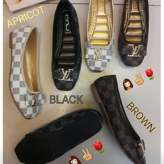 LV Flat Shoes