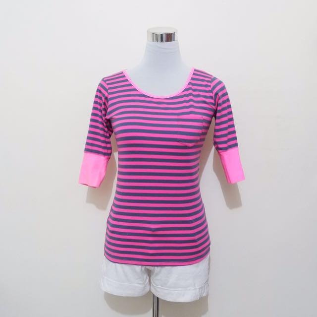 Neon pink stripes 3/4