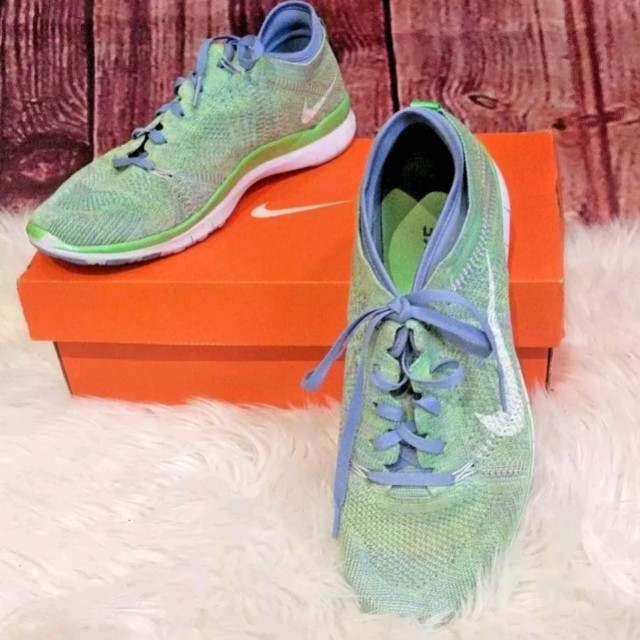 Nike Flyknit size 9 green and blue colorway
