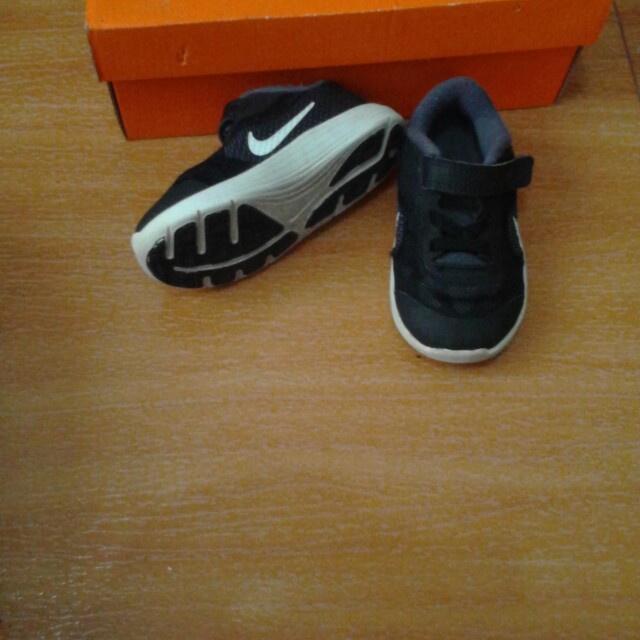 Nike shoes 7c