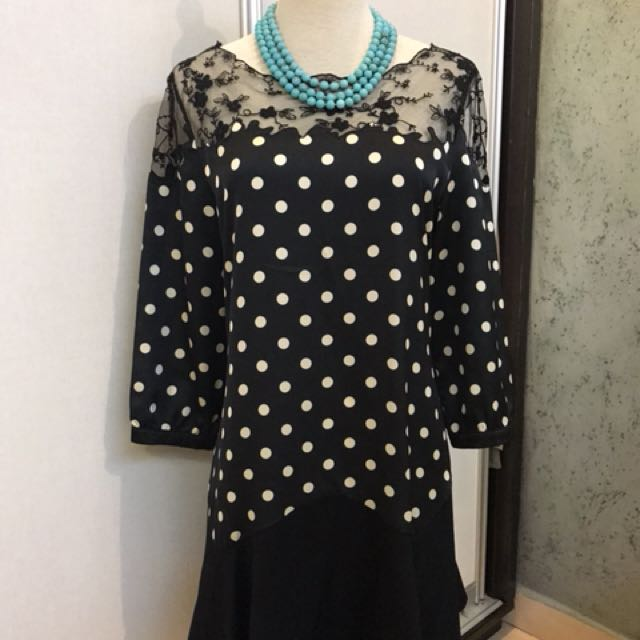 Polka dot with shoulder lace Flare dress