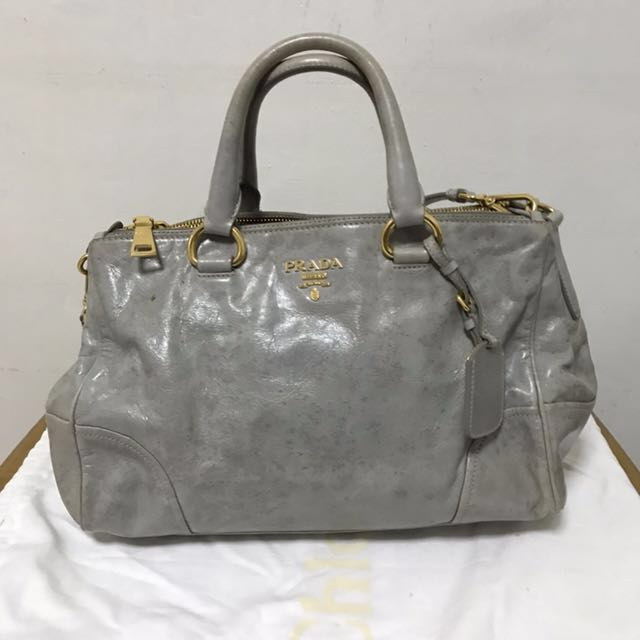 430a2e34ffd8 ... sweden prada classic bag final price luxury bags wallets on carousell  0adf1 98f4e