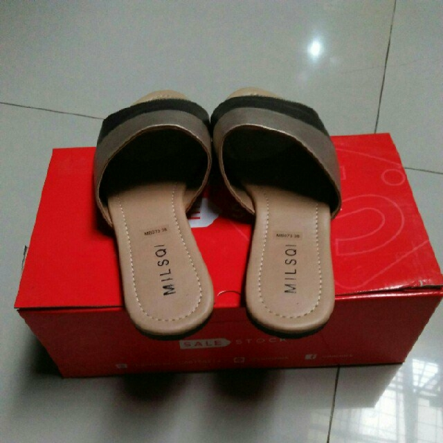 sandal sale stock