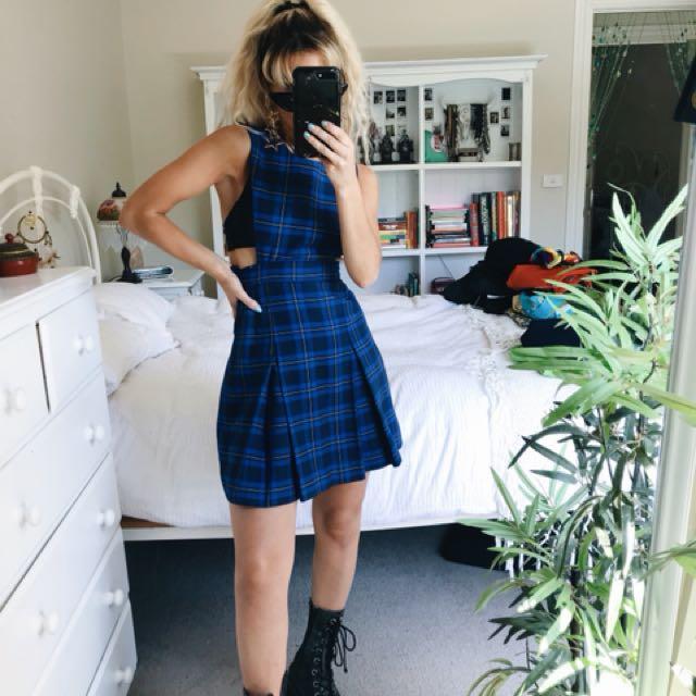 School gal mini dress
