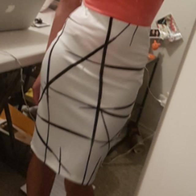 Size 6 midi skirt