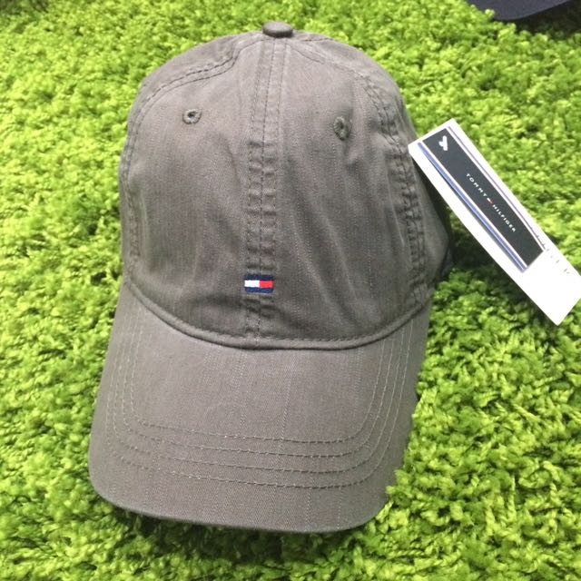 Tommy Hilfiger Small Logo