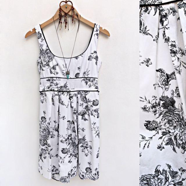 White with Black Floral Pattern Vintage Dress