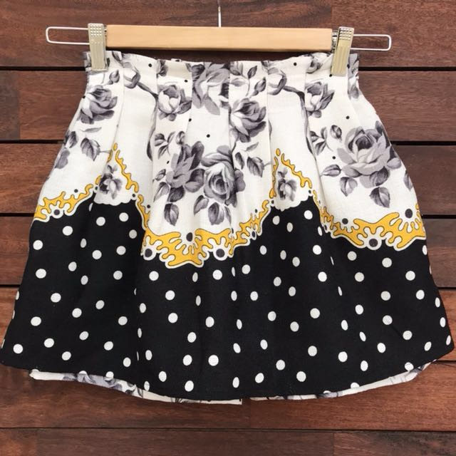 *worn ONCE* skorts Korea made Size XS-S