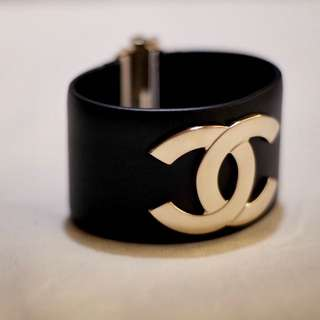 Chanel Cuff (Gold & Black)