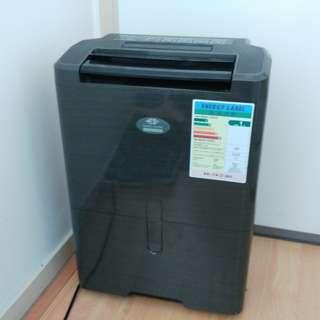 【乾衣恩物】Whirlpool 惠而普 SS289 負離子空氣淨化+特大水箱容量抽濕機 (私人保養14天)