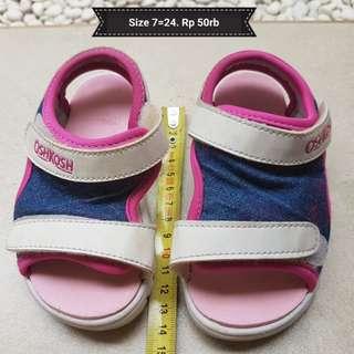 Oshkosh Sepatu sandal size 24