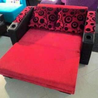 Di jual cepat sofa bed minimalis