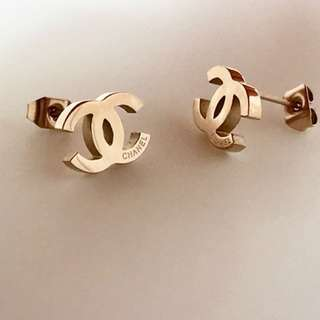 Chic 18K plated earrings!