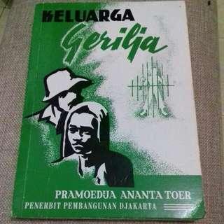 Buku Sastra Gerilya Karya Pram