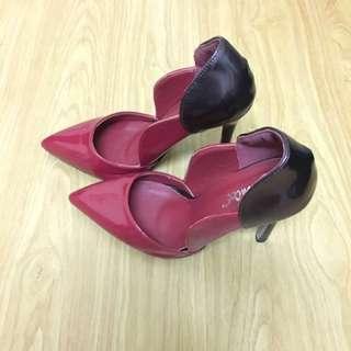 🚚 紅紫拼接花瓣高跟鞋