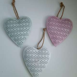 Decorative Metal Hearts in Pink, Mint Green and White