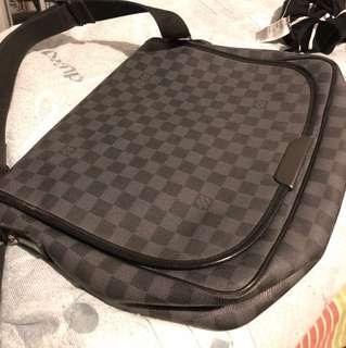 LV Bag 100% real