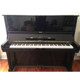 Yamaha Piano U3 Like New and is in excellent condition
