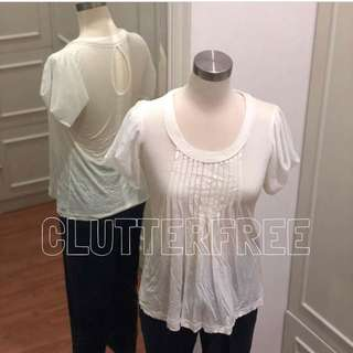 XSML white top With ruffle sleeves and pleats front