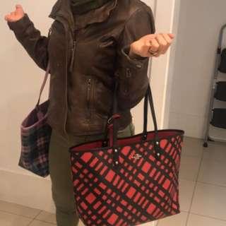 $ 1800 coach leather handbag