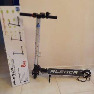 ALEDCA E Scooter complete set with warranty n manual n light n box