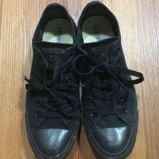 Authentic Black Converse