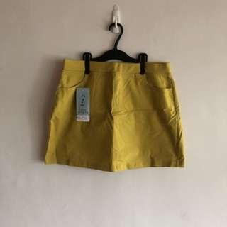 芥黃色褲裙