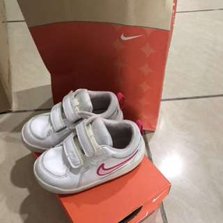 Nike shoe 7c