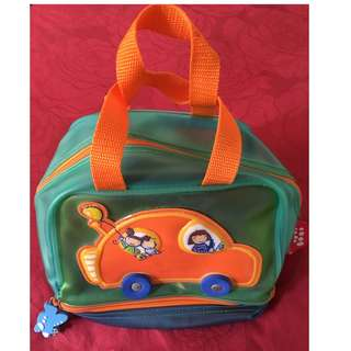 Cute, sturdy car-shaped bag with two pockets
