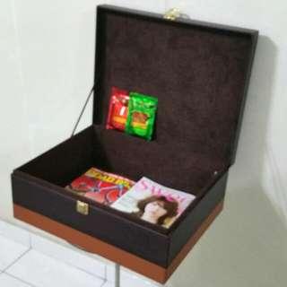 GODIVA : Gift / Storage / Hamper Box