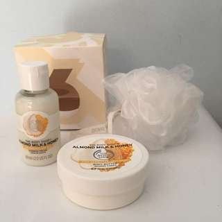 The Body Shop Gift Set - Shower Cream, Body Butter & Scrub