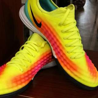 NIKE Magistax Finale ll lc