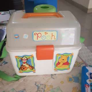 Pooh disney lunch box
